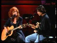 "Bonnie Raitt Jackson Browne ""Opening Farewell"" - could listen to these 2 forever Guitar Tips, Guitar Lessons, Easy Guitar, Bonnie Raitt, Americana Music, Jackson Browne, Linda Ronstadt, Travel Music, Music Albums"