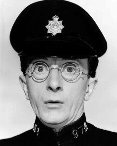 Charles Hawtrey, Carry On Constable. Comedy Actors, Tv Actors, Actors & Actresses, British Comedy, British Actors, British History, Carry On Cleo, Funny Dog Fails, Funny Memes
