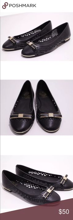 Vince Camuto leather flats Used as store displays and in excellent close to new condition. Comes in box Vince Camuto Shoes Flats & Loafers