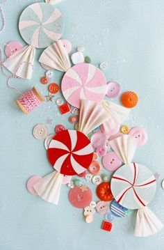 tutorial and templates for paper candy and canes for ornaments or garland Doran for Candyland! Noel Christmas, Christmas Candy, Christmas Decorations, Christmas Ornaments, Candy Decorations, Xmas, Paper Ornaments, Christmas Paper, Hello Holidays