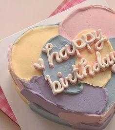 Pretty Birthday Cakes, Pretty Cakes, Beautiful Cakes, Amazing Cakes, Happy Birthday, Cake Birthday, Cute Desserts, Dessert Recipes, Simple Cake Designs