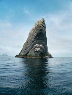 'The Stacs of St. Kilda' by John Dyer, was the winner of the 'Coastal Views' category, taken off the coast of the Outer Hebrides Northern Lights Scotland, St Kilda Scotland, Great Places, Places To Go, Beautiful Places, Sea Photography, Outer Hebrides, Scottish Castles, Scottish Islands