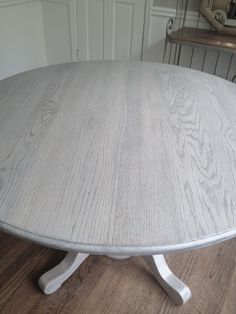 Refinishing dining table gray!!Long and Found: DIY Kitchen Table Refresh