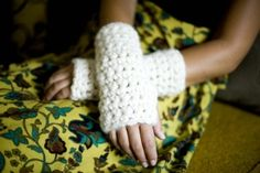 Learn To Crochet Cuff: free beginner pattern