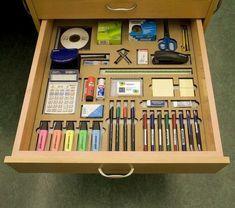 Home Office Setup, Desk Setup, Home Office Design, Office Shelf, Gaming Setup, Lean Office, Rangement Art, Kids Homework Station, Amélioration Continue