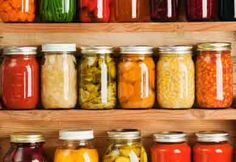 The art of home canning // L'art de faire des conserves maison Canning Recipes, Raw Food Recipes, Healthy Recipes, Healthy Foods, Healthy Dinners, High Acid Foods, Microbiome Diet, Grana Extra, Low Acid Recipes