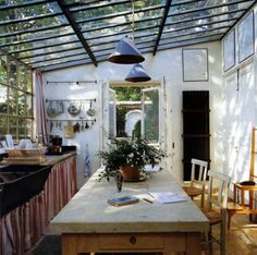32 The Best Ideal Kitchen Design Ideas That You Can Try Now - An ideal kitchen is a place where one can cook various meals without a fuss. So before choosing a design, consider its functionality and accessibility. Decor, Diy Renovation, Design Your Own Home, House Design, Kitchen Design Styles, Remodel, House Styles, Simple Kitchen Design, Renovations