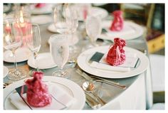 www.weddingrowcalifornia.com | Marvin Tsai Photography | sparkly guest favors
