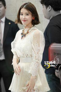 IU Iu Fashion, Korean Fashion, Fashion Show, Fashion Outfits, Cute Korean, Korean Girl, Girl Drama, Cut Her Hair, Prom Girl