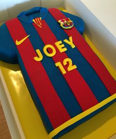 Soccer Tips. One of the greatest sporting events on the planet is soccer, also known as football in most countries. Barcelona Soccer Party, Barcelona Cake, Soccer Birthday Cakes, Boy Birthday, Soccer Cakes, Football Cakes, Shirt Cake, Tips And Tricks, Novelty Cakes