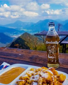 #alm #almdudler #kaiserschmarn #apfelmus #alleswasmanbraucht #hiking #mountains #panorama #food #bavaria #tasty #home #love #wandern #heimat #bayern #igers #instapic #instadaily #instafood 👌💓 Bavaria, Hot Sauce Bottles, Hiking, Tasty, Rustic, Mountains, Instagram Posts, Food, Bayern