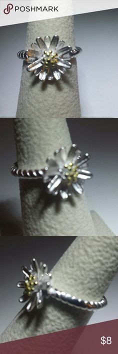 FLOWER PINKY RING Sterling Silver, pretty little flower with gold in the center Band adjusts from size 4-5 Jewelry Rings