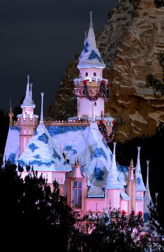 """""""Totally different and unique perspective- Sleeping Beauty Castle with Matterhorn backdrop Disneyland Christmas, Disneyland Castle, Disneyland Resort, Disney Holidays, Merry Christmas, Disney Trips, Disney Parks, Walt Disney, Disney Love"""