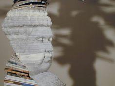 esculturas com listas telefónicas