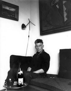 Samuel Beckett in Paris by Lütfi Özkök, 1963 Samuel Beckett, Writers And Poets, Writers Write, Cecil Beaton, Playwright, Role Models, Business Women, Persona, Portrait Photography