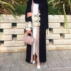 "1,955 Likes, 12 Comments - Saris HH (@saris_hh) on Instagram: ""Abaya @chicquehijaabz  #abayinspo"""