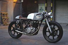 Yamaha SR500 Cafe Racer 2