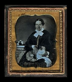 Rare 1/6 1850s Daguerreotype Photo ~ Smiling Woman Holds Tabby Cat with Gold Eye