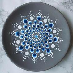 Dot Art Painting, Mandala Painting, Mandala Drawing, Painting Patterns, Ceramic Painting, Mandala Painted Rocks, Mandala Rocks, Pottery Painting Designs, Rock Painting Designs