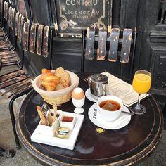 Regardez cette photo Instagram de @topparisresto • 3,150 J'aime  #resto #paris #parisresto #topparisresto #eatinparis #bonnesadresses #bonneadresse #restaurant #restaurantparis #parisrestaurant #cafe #café #coffee