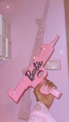 Gun Aesthetic, Girl Gang Aesthetic, Pink Tumblr Aesthetic, Baby Pink Aesthetic, Pink Wallpaper Girly, Bad Girl Wallpaper, Pink Wallpaper Iphone, Aesthetic Iphone Wallpaper, Roses Tumblr