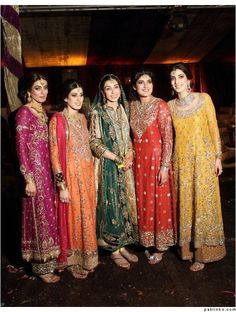 Pakistani bridal wear has become very popular in Pakistani Dress. The popularity can be seen in the bridal couture in Pakistan. In such shows you will find Latest Pakistani Bridal wear and their new variation. Pakistani Couture, Pakistani Bridal Wear, Pakistani Wedding Dresses, Pakistani Outfits, Indian Dresses, Indian Outfits, Dresses Short, Trendy Dresses, Lovely Dresses