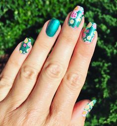 PC: Joann Mantovani check out this #stunner #goodkarmajn wraps and #oceansprayjn lacquer! Oh my #JAM it's gorgeous girl