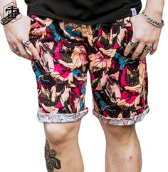 PRINTED LINEN COTTON ARTISTIC LUXURY MENS FASHION SHORTS   Color: Multicolor  Pattern: Artistic Pattern  material: Cotton  Pockets: Yes