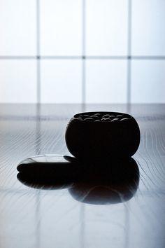 Black | 黒 | Kuro | Nero | Noir | Preto | Ebony | Sable | Onyx | Charcoal | Obsidian | Jet | Raven | Color | Texture | Pattern | Styling | Go Stones | Japanese | Board Game 碁石
