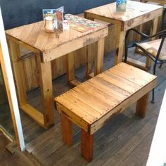 Vera-Cruz, Café... Terraza, mesas y bancas