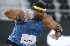 15.05 Le lanceur de poids Reese Hoffa en pleine action à Doha. Photo: Reuters/Stringer