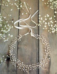 Gypsophilia halo, corona nupcial, tocado de Novia de frente, boda boho, perla de agua dulce, Swarovski cristal boda novia tocado, vid