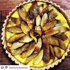 """""""If you thought #duck could only satisfy savoury dishes here's @HeirloomToronto to prove you deliciously wrong with this lovely local apple Tarte Tatin! #TryTheDuck #FamilyOwnedandOperated #SustainableFarming #HumaneHandling #KingColeDucks #Meat #FarmtoFork #NoseToTail #WholeAnimalPhilosophy #Sustainable #Green #FarmToTable #FarmFresh #Food #Local #EatLocal #EatMoreDuck #Healthy #Foodie #FoodPorn #Instafood #Foodgasm #TorontoFood #TheSix"""" @kingcoleducks"""