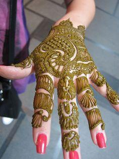 Applying-Henna, Hyderabad, India
