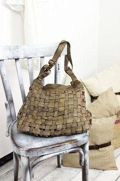 "Handmade woven leather bag ""INTRECCIATO 102"""