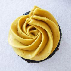 How to Make Bakery Style Cupcake Frosting Salted Caramel | The Cupcake Princess