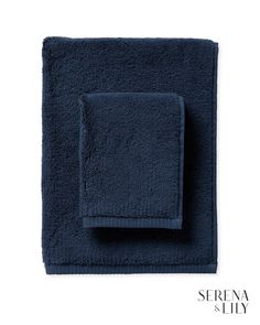 Browse the Serena & Lily bathroom collection today for luxurious bathroom towels, shower curtains, and breezy nautical bathroom decor. Pallet Bathroom, Ikea Bathroom, Bathroom Towels, Bathroom Closet, Master Bathroom, Coastal Bathroom Decor, Nautical Bathrooms, Chen, Layout Design