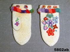 Nalbound mittens, Dalby, Sweden. Estimated time of production 1860-1874. Length 22 cm, width 10 cm.