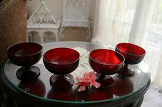 4 VINTAGE ROYAL RUBY RED ANCHOR HOCKING GLASS DESSERT ICE CREAM DISH SHERBET SET