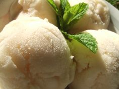 sorbet à la poire Thermomix Desserts, French Food, Milkshake, Food For Thought, Biscuits, Recipies, Good Food, Brunch, Ice Cream