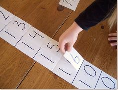 How to make a Montessori Teen Board for teaching the teen numbers. This is exactly how its taught in math expressions. Math Classroom, Kindergarten Math, Teaching Math, Teaching Numbers, Number Games Preschool, Math For Kids, Fun Math, Math Resources, Math Activities