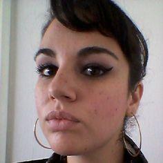 Me aventuro no mundo da maquiagem...