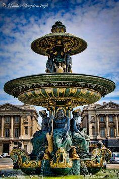 Champs Elysees....Paris