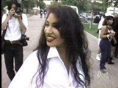 Selena Quintanilla uploaded by Selena Quintanilla Perez, Selena Pictures, Selena Pics, Celebrity Makeup Looks, Dream Hair, Celebs, Celebrities, Aaliyah, American Singers