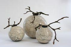 Discover recipes, home ideas, style inspiration and other ideas to try. Raku Pottery, Pottery Sculpture, Pottery Bowls, Pottery Art, Ceramic Clay, Porcelain Ceramics, Raku Kiln, Sculptures Céramiques, Keramik Vase
