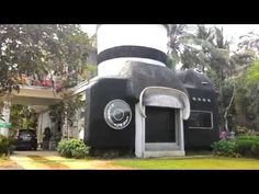 Rumah Kamera Galeri Seni Berbentuk Unik di Jawa Tengah - Jawa Tengah