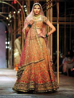 Best bridal dupatta setting styles are most coveted by Pakistani and Indian brides. Here are the images about bridal dupatta setting in different styles. Indian Bridal Lehenga, Indian Bridal Outfits, Indian Bridal Wear, Bridal Lehenga Choli, Bridal Dresses, Silk Lehenga, Orange Lehenga, Indian Wear, Asian Bridal