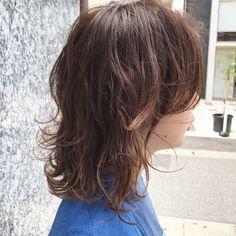 タカキユウコ【デザインカラー🤫】さんはInstagramを利用しています:「girl💇🏻airi 色落ちしかけたカラーもいいかんじ☺️ 段を入れたり、ウルフっぽくしたり、 マッシュっぽくしたりするお客様が増えたなー😊 ぱつっとボブに飽きた方はぜひ☝🏻💫 #タカキデザインズ #アドミオカラー #ウルフカット #ウルフボブ #福岡美容室 #大名美容室…」 Hair Inspo, Hair Inspiration, Mullet Hairstyle, Dope Hairstyles, Salon Style, Good Hair Day, How To Make Hair, About Hair, Perm