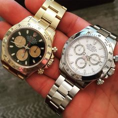 Had to get a steel Daytona seeing as it's a soon to be discontinued model . Both for sale 14250 all yellow gold or 7750 steel white face . Both have a box and papers ( both in very good condition ) #Rolex #breitling #rolexdaytona #patekphilippe #swisswatc
