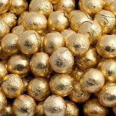 100 Gold Foil Chocolate Balls Wedding Favours for sale Gold Wedding Favors, Retro Sweets, Gold Aesthetic, Pot Of Gold, Wedding Matches, Gold Foil, Beautiful Flowers, Glitters, Pantone Gold